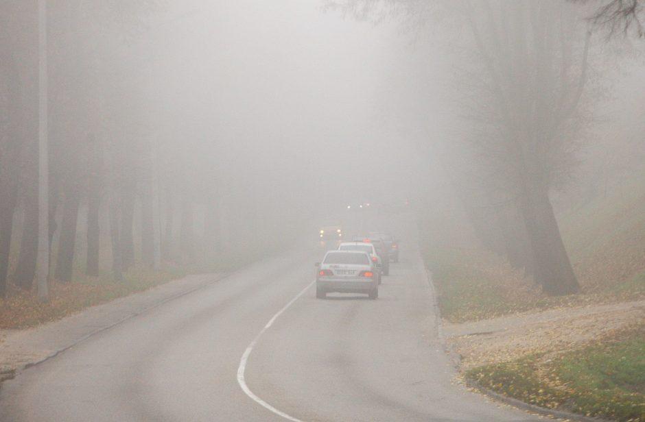 Naktį eismo sąlygas sunkins rūkas