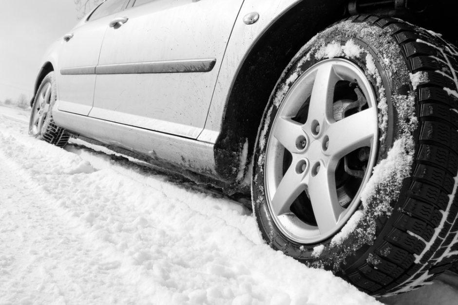 16 patarimų, kaip paruošti automobilį prasidėjusiai žiemai