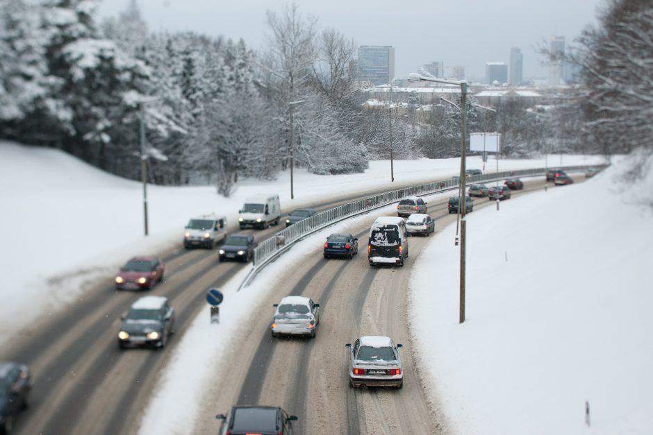 Kai kelias virsta čiuožykla: kaip vairuojant nepadaryti lemiamos klaidos?
