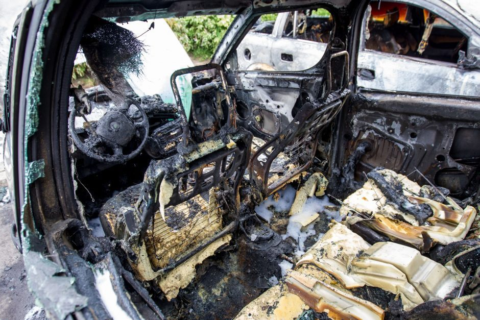 Vilniuje pavogtas automobilis rastas sudegęs