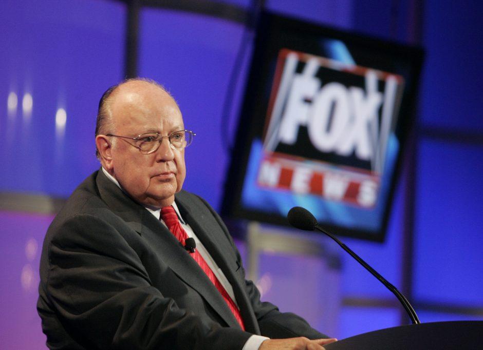 """Mirė vienas JAV televizijos """"Fox News"""" įkūrėjų R. Ailesas"""