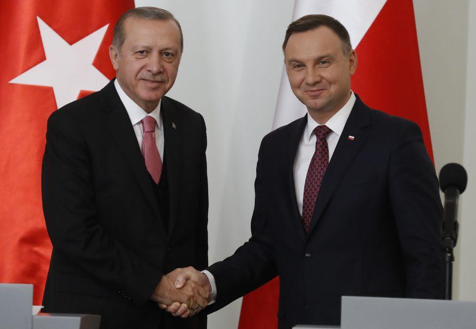 Lenkija sako R. T. Erdoganui remianti Turkijos narystės ES siekį