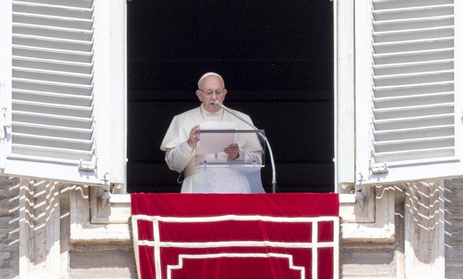 Popiežius Pranciškus Bažnyčių vadovų susirinkime aptars seksualinį išnaudojimą