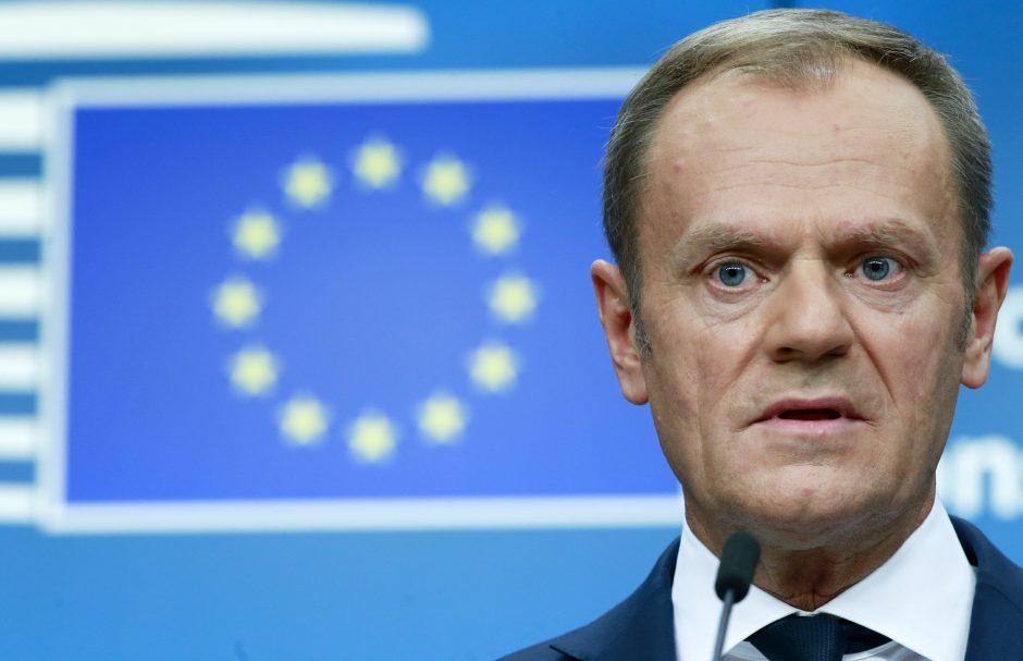 D. Tuskas gina ginčytiną savo poziciją dėl pabėgėlių