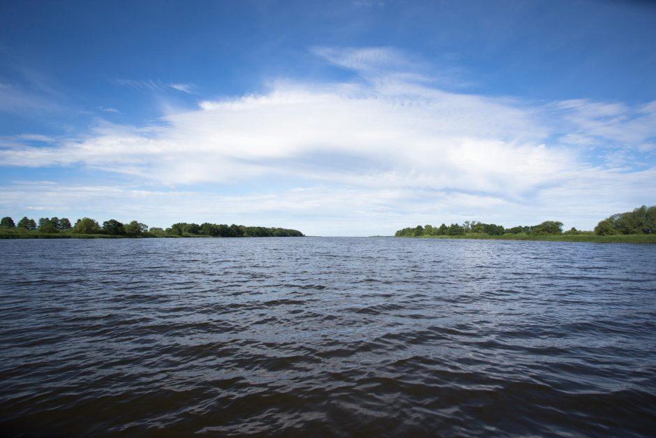 Vandens dviračiais Kuršių mariose plaukioję pramogautojai negalėjo grįžti į krantą