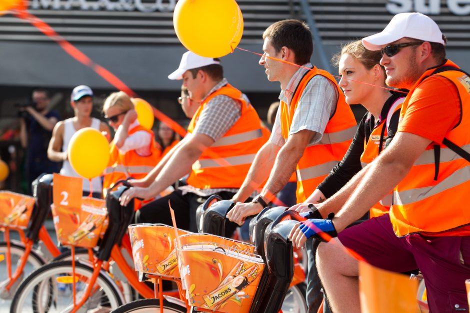 Oranžiniai dviračiai užplūdo sostinės gatves