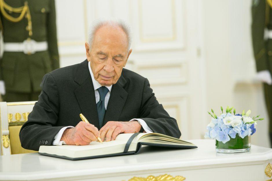 Sh. Peresas: Izraelis netiki dvitautės valstybės galimybe