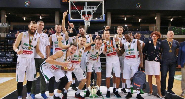 """""""Nevėžio"""" krepšininkai antrus metus iš eilės laimėjo turnyrą Kėdainiuose"""