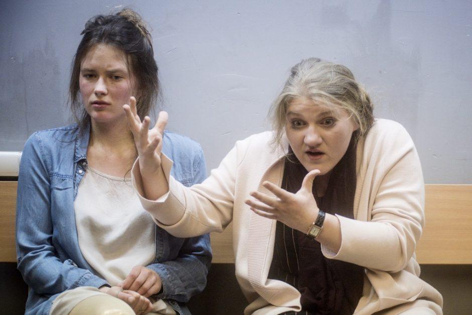 """Uostamiesčio publikai – O. Koršunovo spektaklio """"Šokis Delhi"""" išbandymas"""