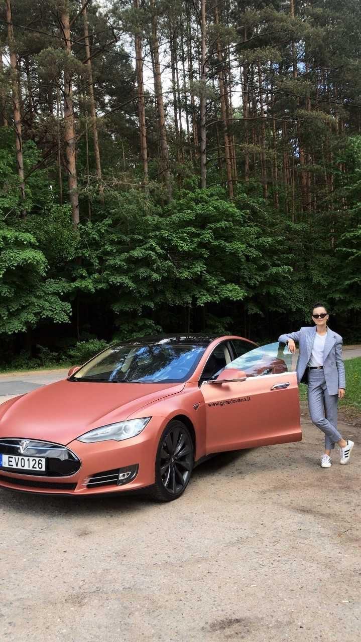 Elektromobilį išbandžiusi S. Burbaitė: tai žingsnis švaresnio gyvenimo būdo link