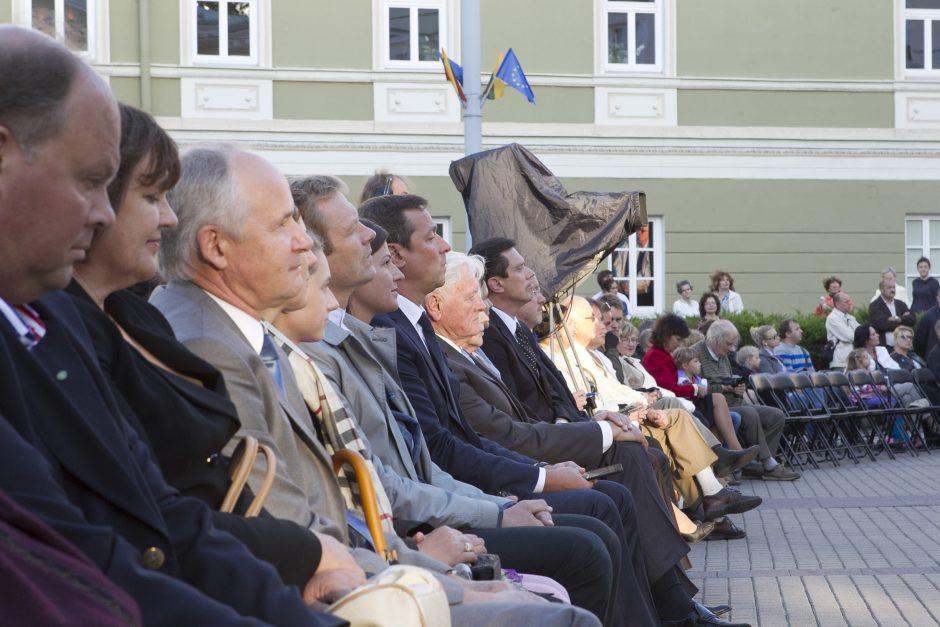 S. Daukanto aikštę drebino laisvės dainos