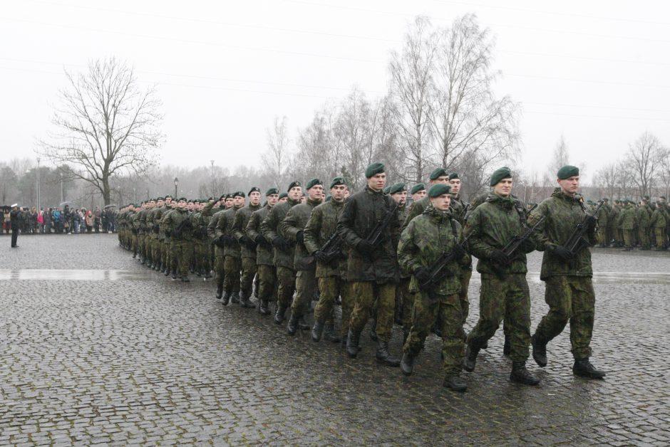 Kaip atrodo pirmoji šauktinio diena kariuomenėje?