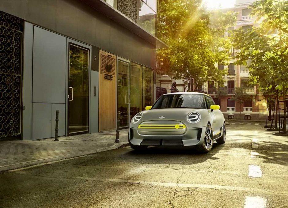 """Frankfurto automobilių parodoje pamatysime, kaip atrodys ateities """"Mini"""""""