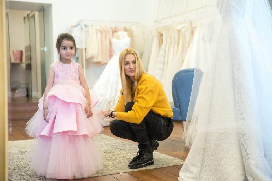 Lėlės Barbės gimtadienio proga mados namai sukūrė išskirtinę dovaną
