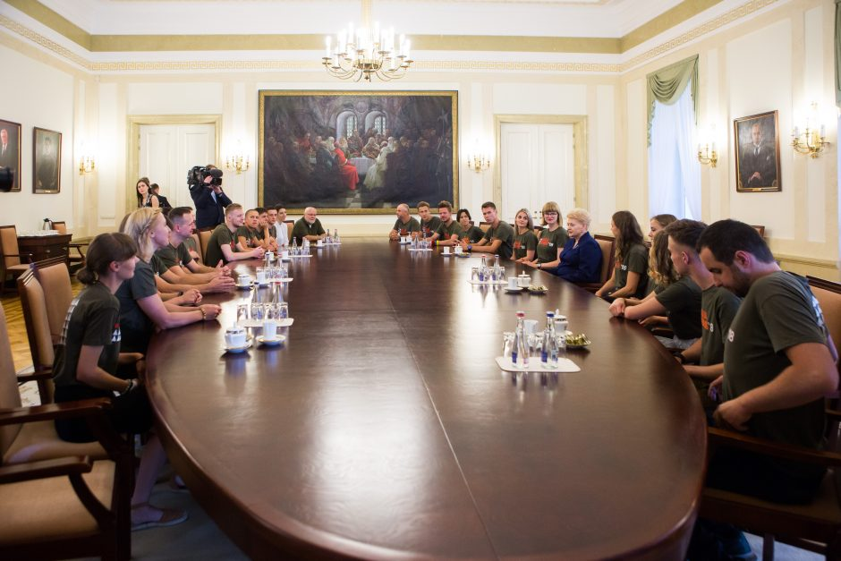 """Prezidentė susitiko su """"Misija Sibiras"""" dalyviais"""