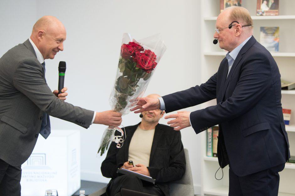 Susitikimas su netrukus 80-metį švęsiančiu Č. Juršėnu