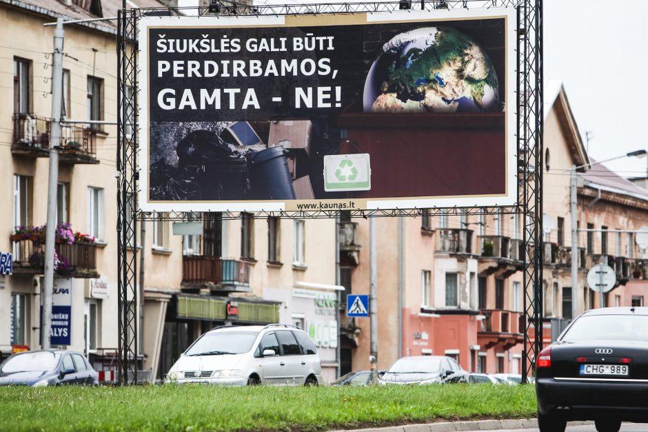 Tuščius stendus Kaune užpildo socialinė reklama