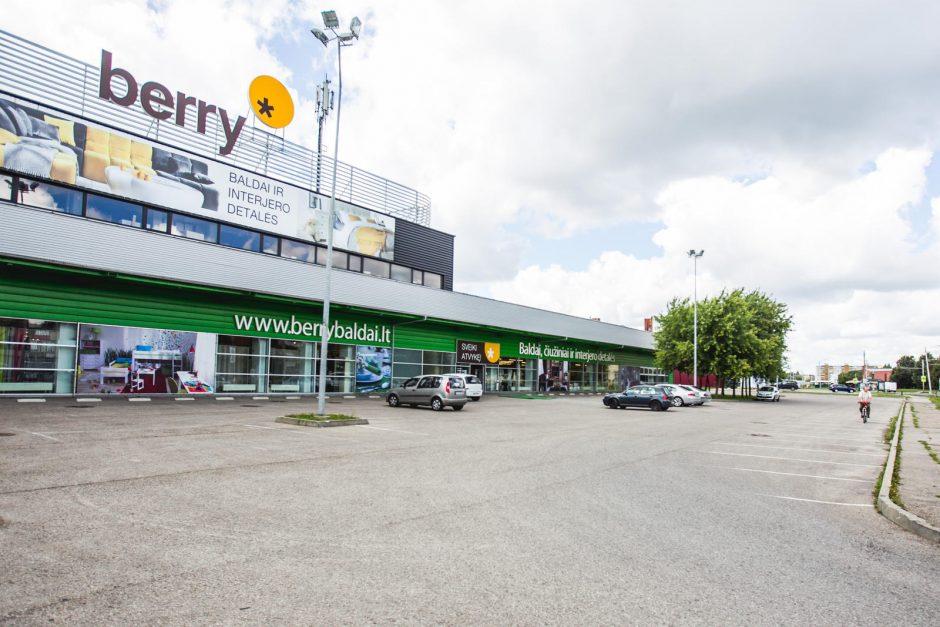 Karas dėl pirkėjų: ar sumažinti kainas Kauno baldų parduotuves privertė