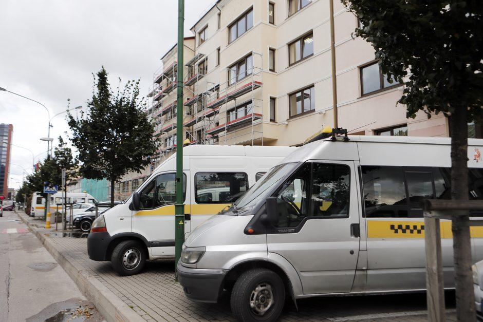 """""""Gesinamas gaisras"""" dėl maršrutinių taksi"""