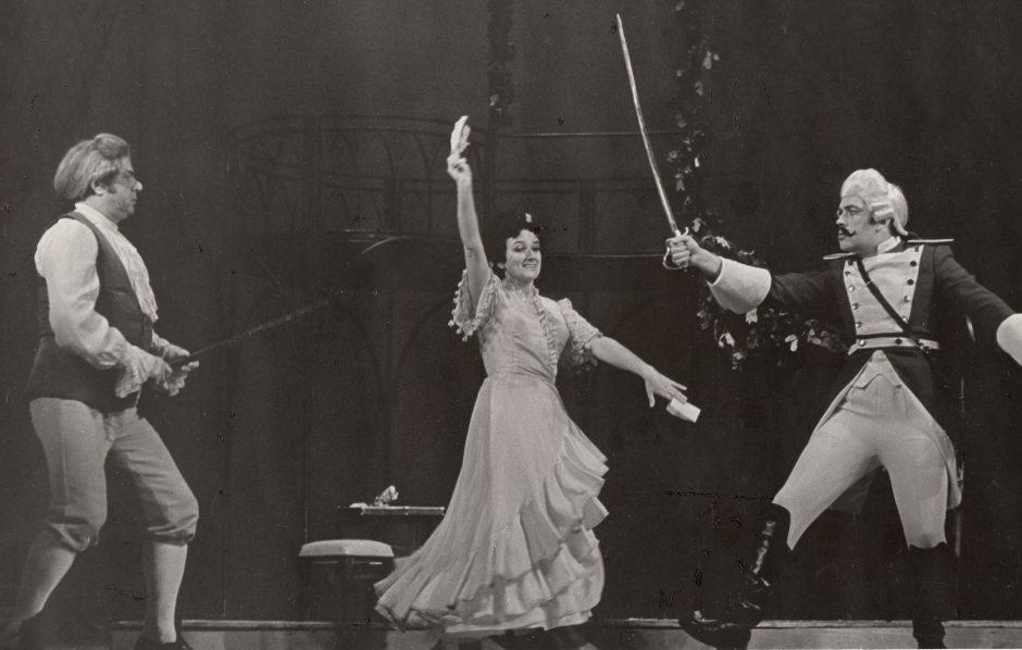 Nutrūktgalviški gyvenimo vingiai: sopranų princesės prisiminimai