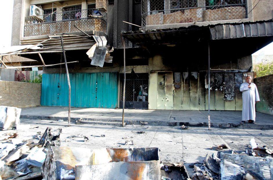 Irake per mirtininko sprogdintojo išpuolį žuvo 38 žmonės