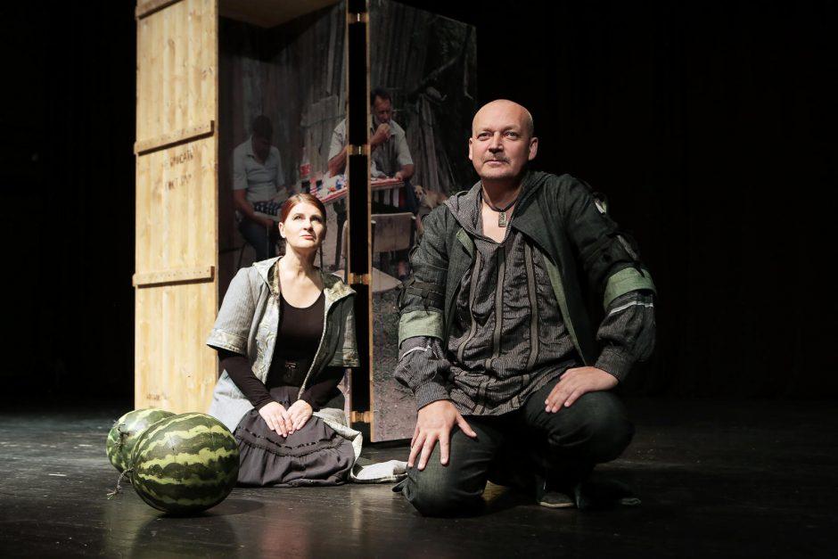 Klaipėdos Pilies teatras publiką intriguoja intymiu pokalbiu apie meilę