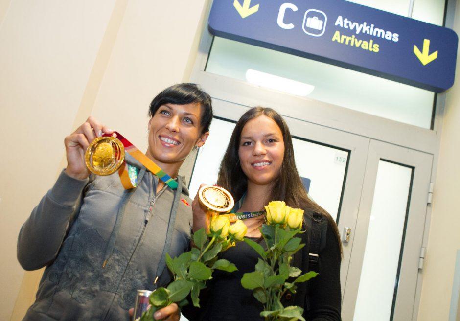 Irkluotojos Donata Vištartaitė ir Milda Valčiukaitė triumfavo pasaulio taurės varžybose Šveicarijoje