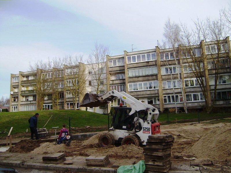 Palangos daugiabučių kiemuose rengiamos modernios vaikų žaidimo aikštelės