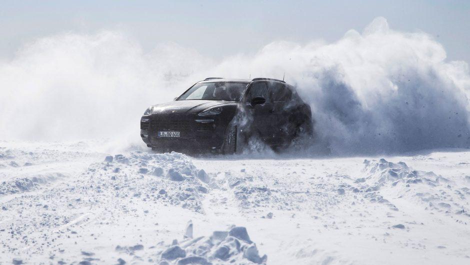 "Naujajam visureigiui ""Porsche Cayenne"" – ekstremalūs išbandymai"