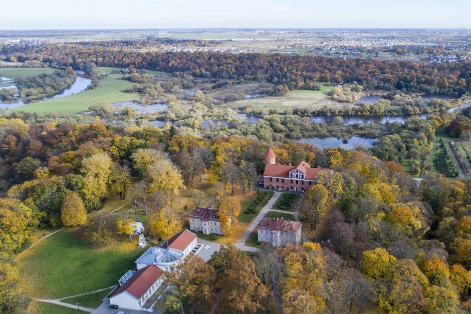 Kauno rajone – pramogos, reginiai žemėje, danguje ir ant vandens