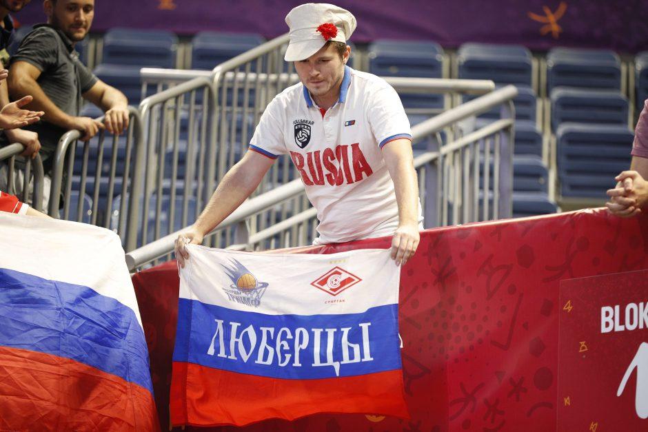 Atsigavusi Rusija sutriuškino Kroatiją ir tapo paskutine ketvirtfinalio komanda