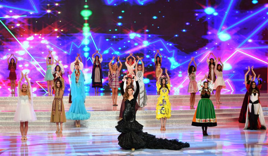 """Kinijoje išrinkta """"Mis pasaulis 2017"""""""