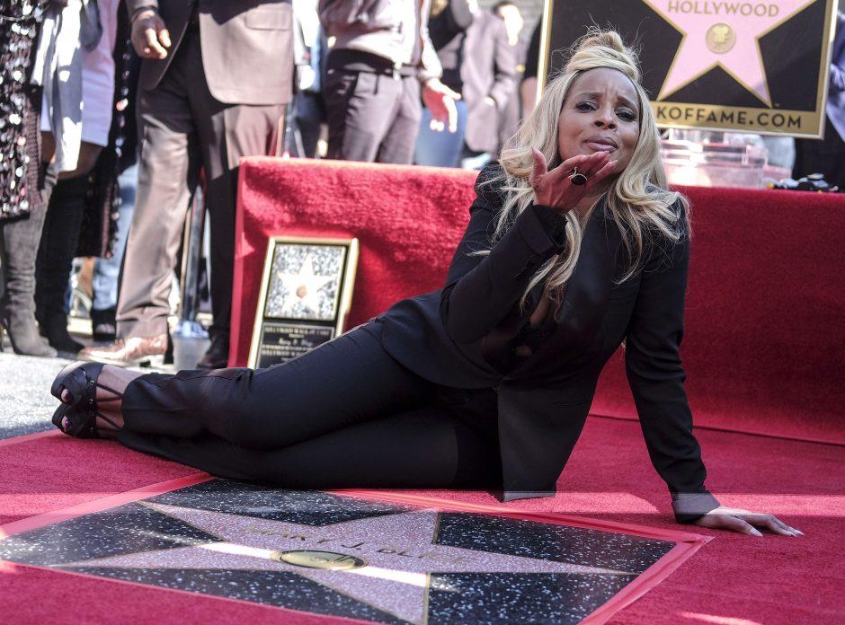 Mary J. Blige pagerbta žvaigžde Holivudo Šlovės alėjoje