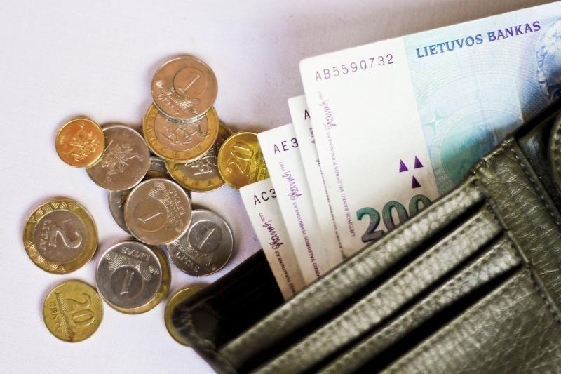 Politikai pliekia pensijų skaičiavimo tvarką, kurią patys palaimino