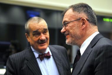 ES ministrai tarsis dėl galimų derybų su Maskva
