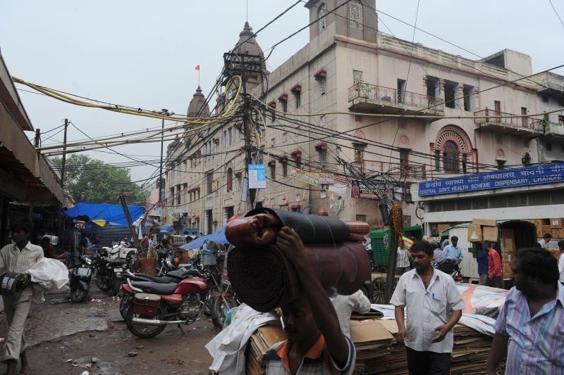 Pusė Indijos teritorijos liko be elektros dėl didžiulio tinklų gedimo