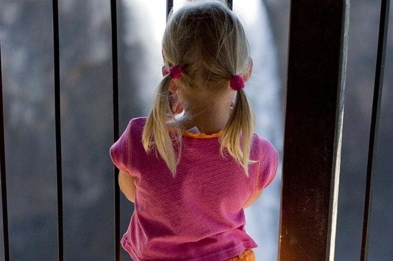 Prisiekusieji išteisino dukters žagintoją mirtinai primušusį tėvą