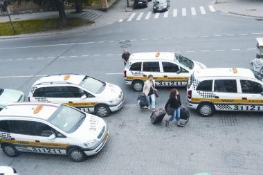 Klaipėdoje klientai apiplėšė taksistą