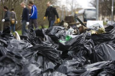 """Aplinkos tvarkymo akcija """"Darom"""": jungiasi ir verslas"""
