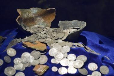 Seimas uždraudė lobių ieškotojams naudoti metalo ieškiklius