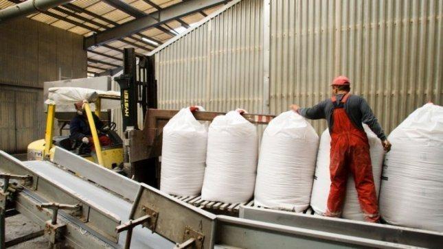 Ūkininkams trąšų užteks - gamintojų sandėliai pilni