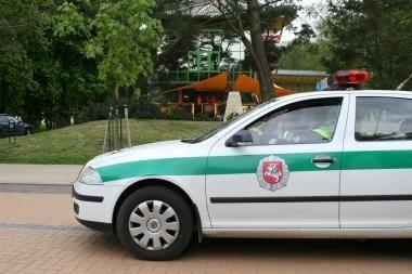 Vilniuje vilkikas sutraiškė automobilį