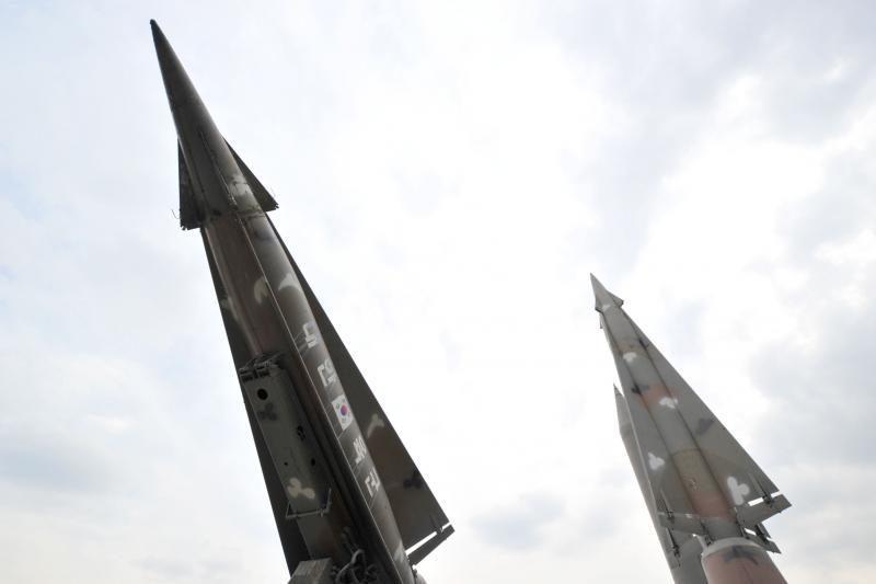 Seulas: Šiaurės Korėjos raketa gali nuskristi 10 tūkst. kilometrų
