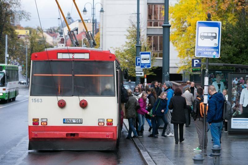 J. McGeeveris: ar matėt miesto politiką, važinėjantį autobusu?