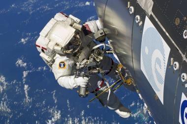 Astronautų skafandrai prisiderins prie žmogaus kūno formos
