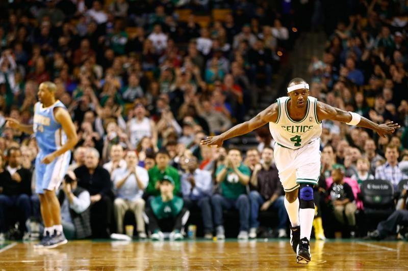 NBA: neįtikėtinas trijų pratęsimų trileris Bostone (rezultatai, top10)
