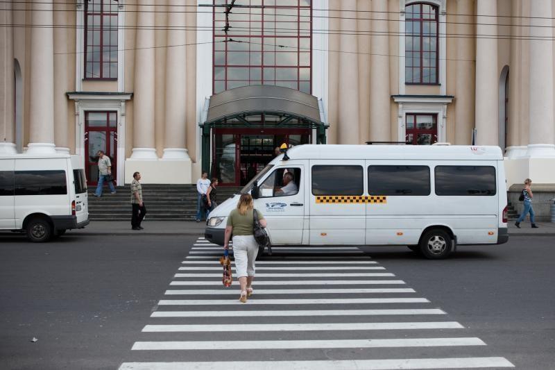 Keičiasi penki mikroautobusų maršrutai