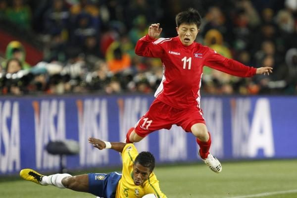 """Atsirado """"dingę"""" Šiaurės Korėjos futbolininkai. Bet ar tai tiesa?"""