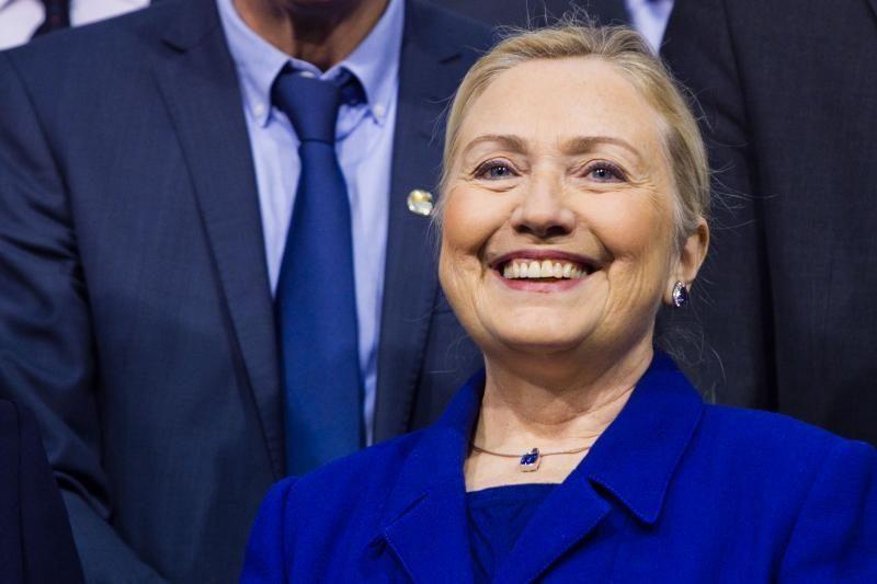 H.Clinton neįsižeidė ant egiptiečių, kurie mėtė į ją pomidorus