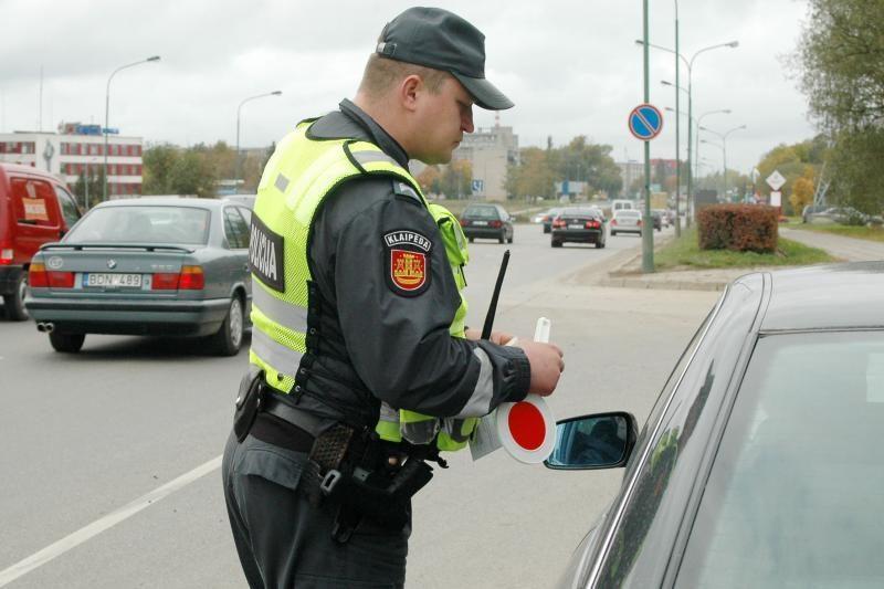 Daugiausia girtų vairuotojų įkliūva šventiniais savaitgaliais